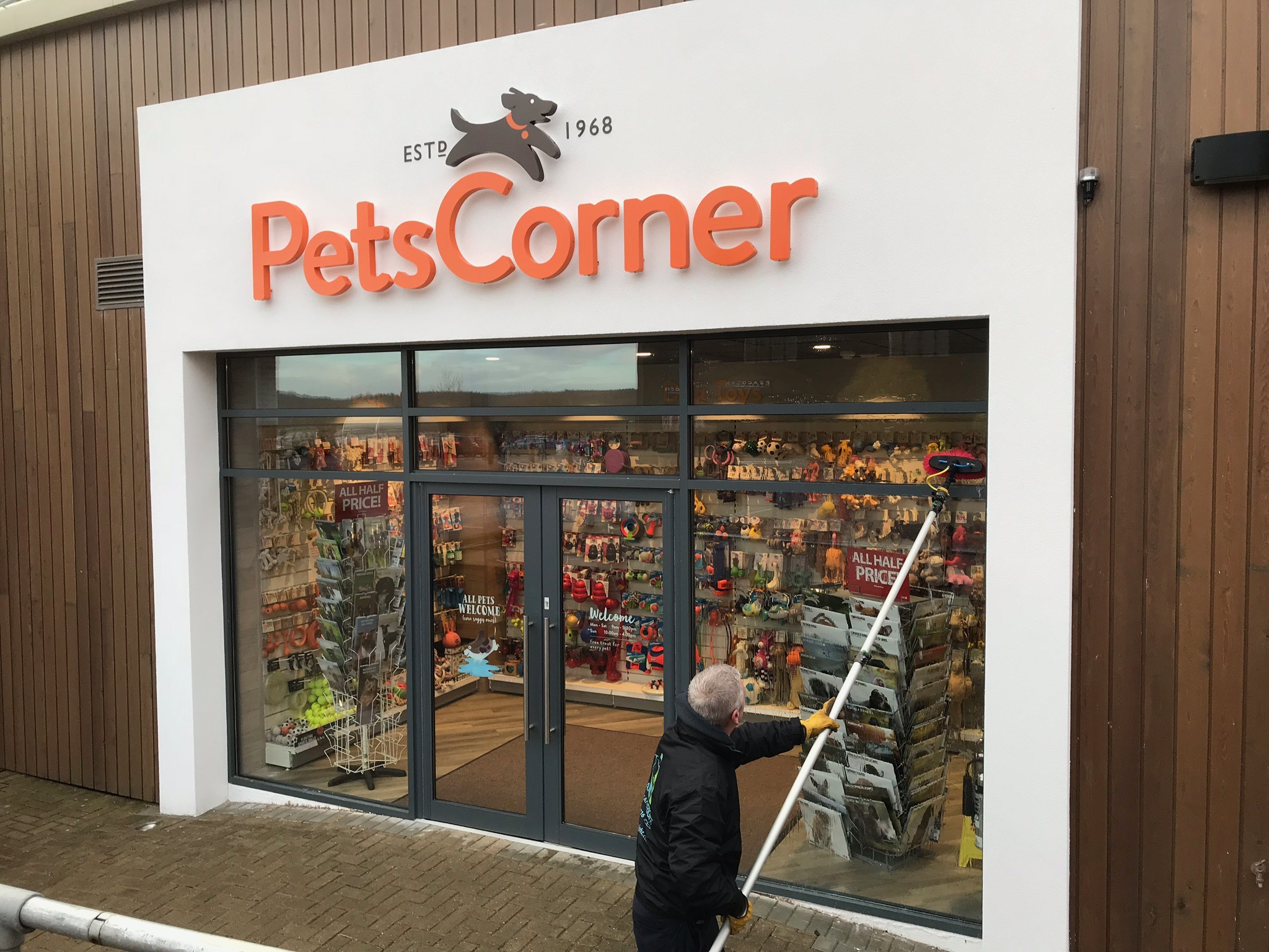 Commercial Window Clean at Pets Corner